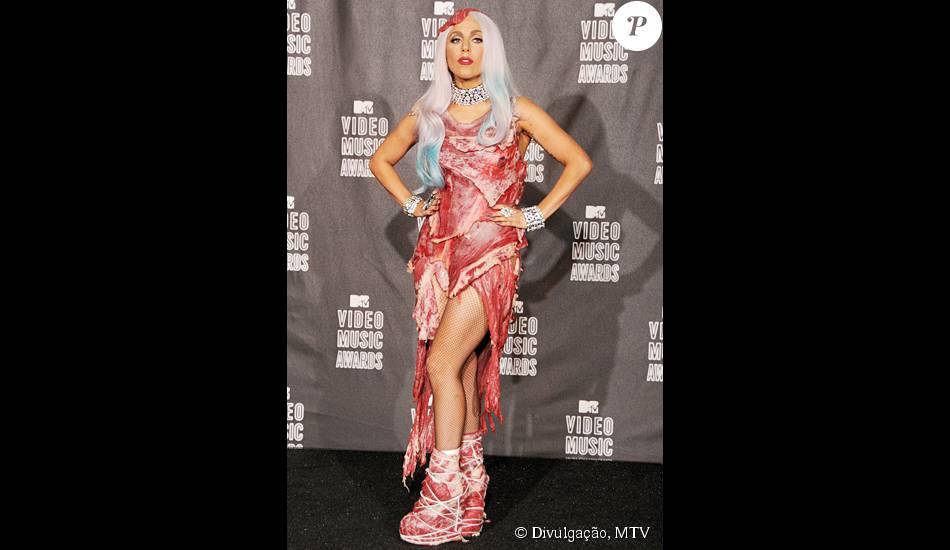 O Famoso E Polêmico Vestido De Carne Da Cantora Lady Gaga