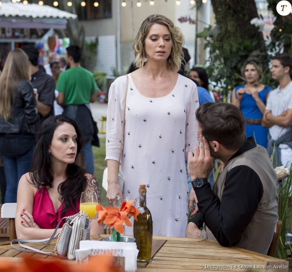 Soraya (Leticia Spiller) encontra o ex-marido com Ximena (Caroline Abras), em cena da novela 'I Love Paraisópolis'