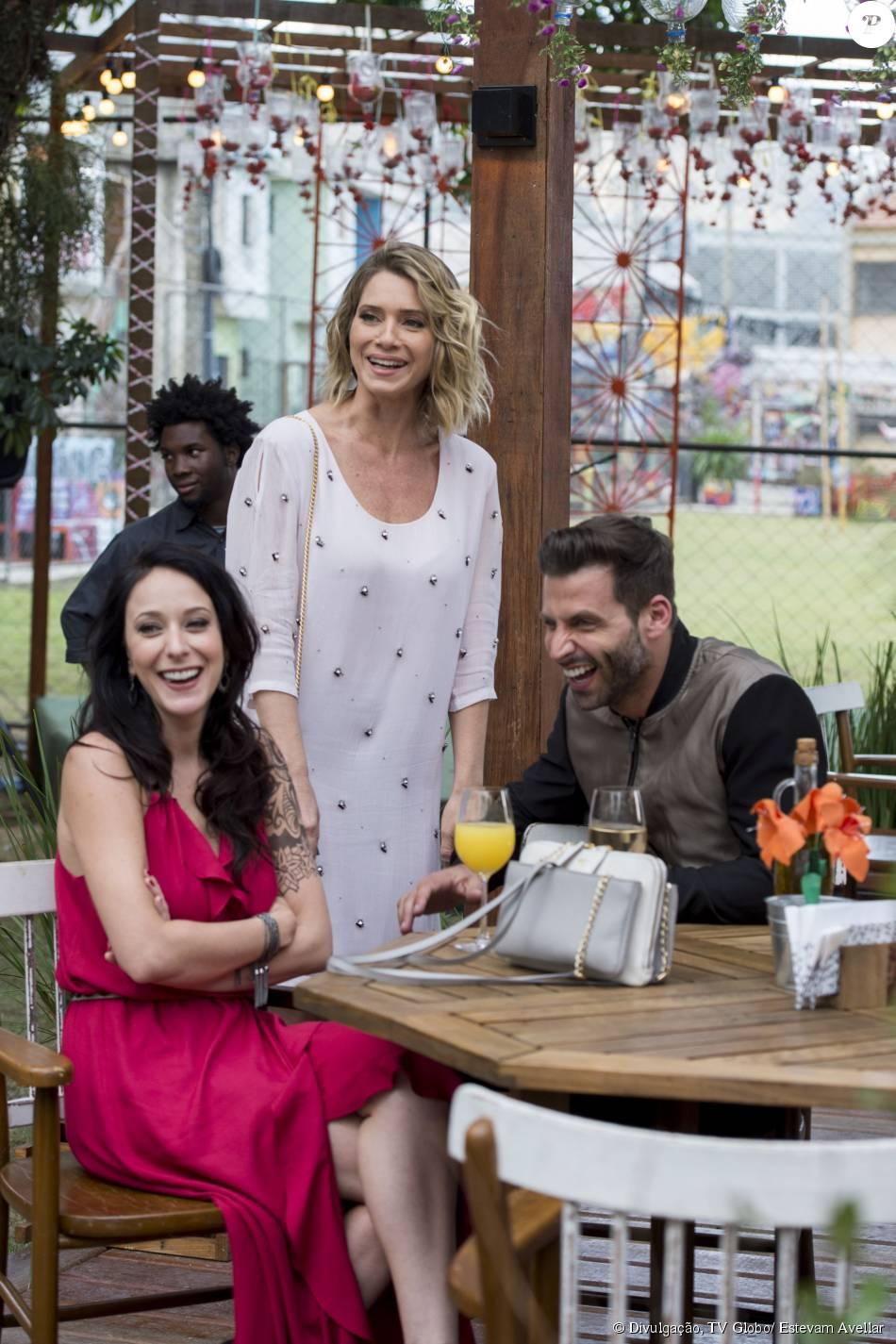Caroline Abras, Leticia Spiller e Henri Castelli se divertem nos bastidores de gravação da novela 'I Love Paraisópolis'
