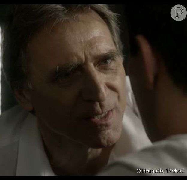 Otávio (Herson Capri) apareceu vivo no penúltimo capítulo da novela 'Babilônia', exibido nesta quinta-feira, 27 de agosto de 2015, após ter sido vítima de ataque planejado por Beatriz (Gloria Pires)