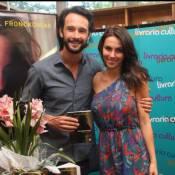 Rodrigo Santoro ajuda a namorada, Mel Fronckowiak, nas atividades domésticas