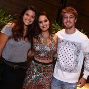 Giulia Costa e o namorado, Eike Duarte, vão a aniversário de atriz de 'Malhação'