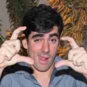 Marcelo Adnet grava piloto de talk show para ir ao ar antes do 'Programa do Jô'