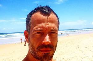 Malvino Salvador brinca com filha e compartilha momento com fãs: 'Coceguinhas'