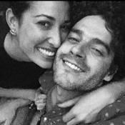 Giselle Itié posta foto com Guilherme Winter e fãs comemoram: 'Belo casal'