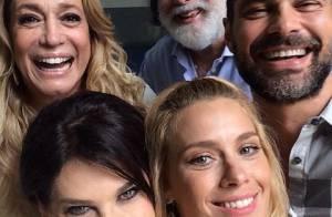 Carolina Dieckmann e outros famosos gravam vinheta de final de ano da Globo