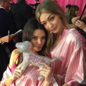 Kendall Jenner, Adriana Lima e tops aguardam desfile da Victoria's Secret.Fotos!