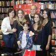 Casados há 26 anos, Glória Pires e Orlando Morais tiveram três filhos juntos: Antonia, Ana e Bento. Cleo Pires, fruto do relacionamento da atriz com Fábio Jr, tem uma relação de tanta admiração com Orlando que o chama de pai