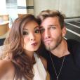 Aislan Lottici também postou uma foto com a namorada e os fãs do casal enviaram mensagens para os dois