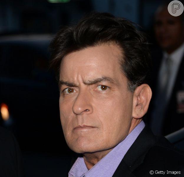 O polêmico Charlie Sheen vai revelar ser portador do vírus da Aids no programa 'Today'. 'Foi díficil encontrar coragem', garante gerenciador de crise Howard Bragman à revista 'People' nesta segunda, 16 de novembro de 2015