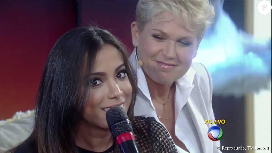 Anitta brincou ao ser perguntada por Xuxa sobre o que faria com Neymar na cama: 'Ia dormir, somos pessoas que trabalham muito'