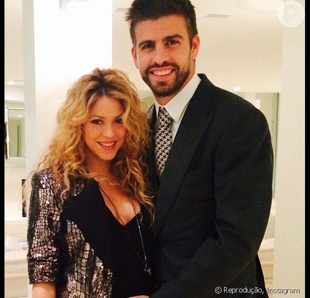 Shakira e Piqué estariam sendo chantageados por ex-funcionário, diz o jornal espanhol 'El Diario Vasco'