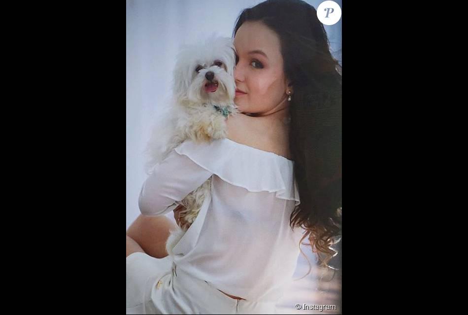 9832ca4a00905 Larissa Manoela lamenta morte de cachorro de estimação   Uma ...