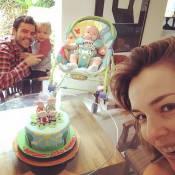 Regiane Alves posa com família e celebra 3 meses do filho caçula: 'Tempo voa'