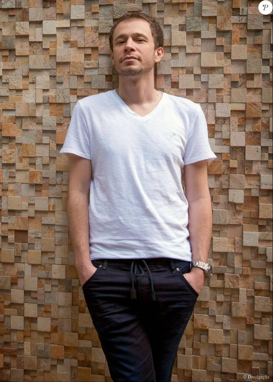 Tiago Leifert recebeu R$ 1 milhão para estrelar sua primeira campanha publicitária, como garoto-propaganda da Claro