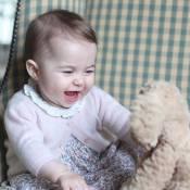 Kate Middleton e Príncipe William mostram a caçula, Charlotte Elizabeth Diana