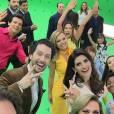Elenco do SBT se reuniu na gravação da vinheta de final de ano da emissora paulista