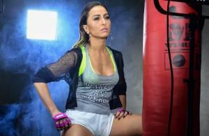 Sabrina Sato encarna lutadora sexy em fotos do ensaio de sua 1ª linha fitness