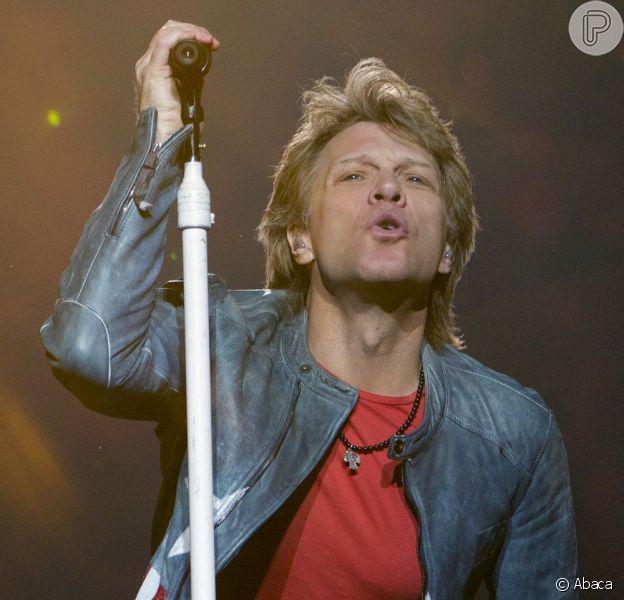 Bon Jovi exigiu comida vegetariana, brownies e café forte, que devem ser servidos na hora marcada por eles