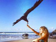Grazi Massafera posa com pássaro em Noronha e ganha elogios: 'Bela e corajosa'