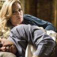Pilar (Susana Vieira) descobre o caso de César (Antonio Fagundes) e Aline (Vanessa Giácomo) e envenena o marido, em 'Amor à Vida'