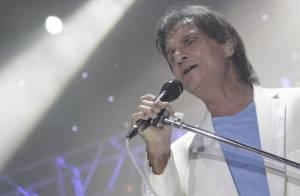 Roberto Carlos surpreende ao cantar música remixada em show no Maracanãzinho