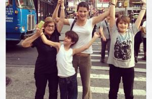 Isabelli Fontana sobre conciliar a carreira e os filhos: 'Me achava a pior mãe'