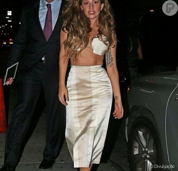 Na festa pós-VMA, no último domingo, 29 de agosto de 2013, Lady Gaga foi fotografada usando saia assinada pelo estilista brasileiro Alexandre Herchcovitch