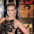 Perrie Edwards, noiva de Zayn Malik, também aderiu às roupas feitas no Brasil. Ela usou um vestido da estlista brasileira Patrícia Bonaldi no tapete vermelho da première do documentário 'One Direction: This is Us', nos Estados Unidos