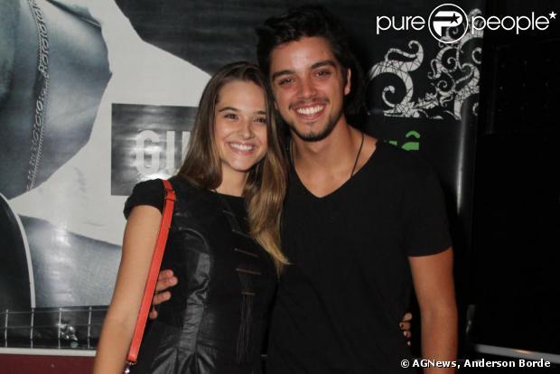 Após viver o par romântico em 'Malhação', Rodrigo Simas e Juliana Paiva negam que estejam namorando