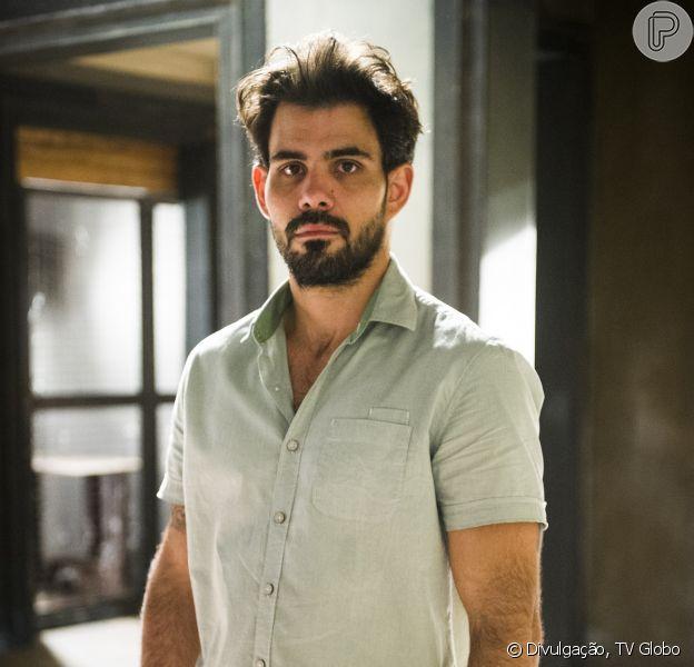 Ninho (Juliano Cazarré) decide mudar de vida e faz chantagem com Félix (Mateus Solano) para conseguir dinheiro para sair do país, em 'Amor à Vida', em setembro de 2013