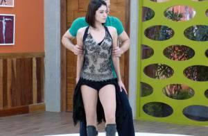 Carol Castro exibe pernões em ensaio para a final da 'Dança dos Famosos'