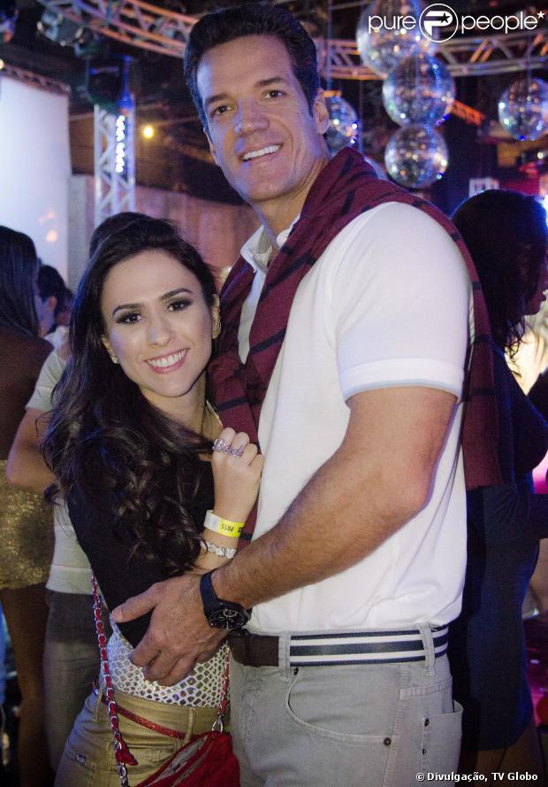 Ignácio (Carlos Machado) encontra Valdirene (Tatá Werneck) na maternidade e se reaproxima da ex-noiva, em 'Amor à Vida', em 26 de setembro de 2013