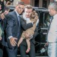 David Beckham esconde o rosto da filha, Harper Seven, dos paparazzi