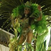 Graciele Lacerda usa biquíni e comemora desfile da Imperatriz: 'União'. Fotos!