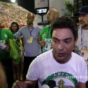 Emocionado com desfile, Zezé Di Camargo teve insônia: '2 dias sem dormir'. Vídeo