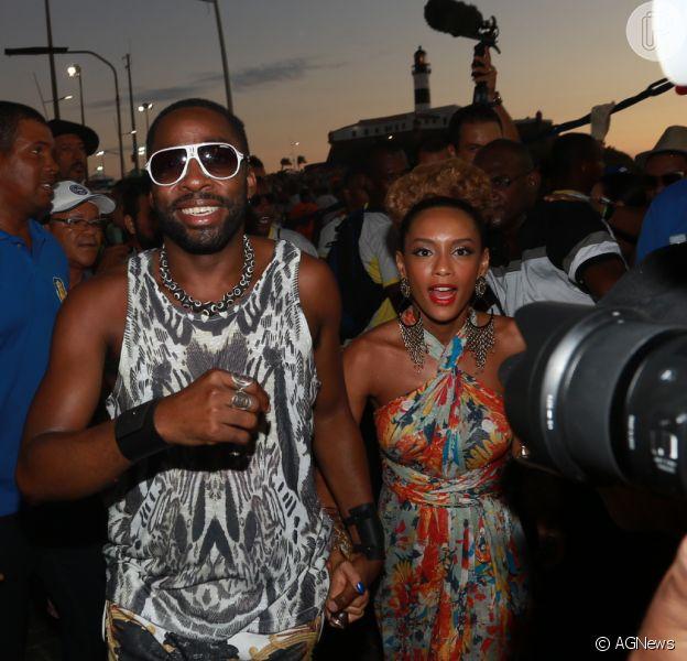 Taís Araújo e Lázaro Ramos gravam a série 'Mister Brau' durante o Carnaval de Salvador, na Bahia, nesta terça-feira, 9 de fevereiro de 2016