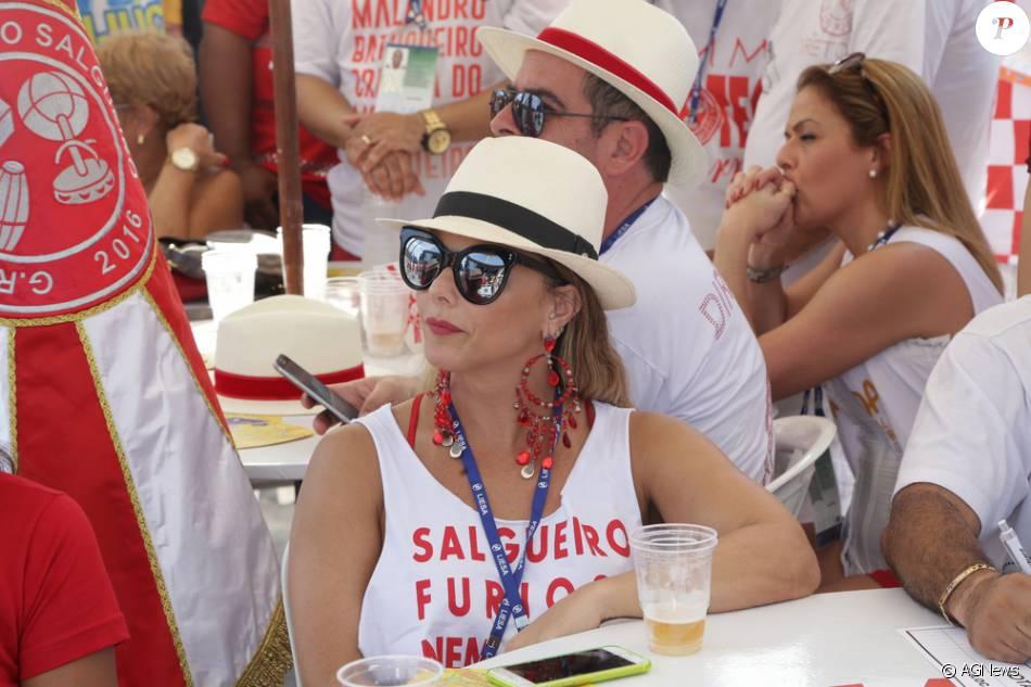 Viviane Araújo, rainha de bateria do Salgueiro, não gostou do resultado da apuração das notas de escolas de samba do Rio de Janeiro, nesta quarta-feira, 10 de fevereiro de 2016