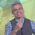 Otaviano Costa virou assunto no Twitter ao rir quando Monica Iozzi chamou matéria de Klebber Toledo no 'Vídeo Show'