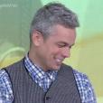 Otaviano Costa não segurou a gargalhada ao ver Monica Iozzi chamando matéria de Klebber Toledo no 'Vídeo Show'