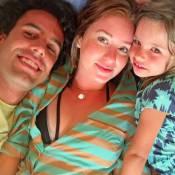 Marina Ruy Barbosa posa com namorado, Xandi Negrão e a sobrinha do piloto. Foto!