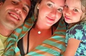 Marina Ruy Barbosa posa com namorado, Xande Negrão e a sobrinha do piloto. Foto!