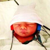 Fergie mostra pela primeira vez o rosto do filho, Axl Jack Duhamel