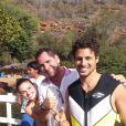 Cauã Reymond praticou esportes radicais no tempo livre e Isis Valverde conheceu pontos turísticos do lugar