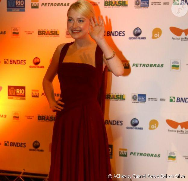 Dakota Fanning marcou presença na exibição do filme 'Night Moves' no Festival do Rio e depois jantou no restaurante Brasserie Rosário, no Centro do Rio de Janeiro, em 29 de setembro de 2013