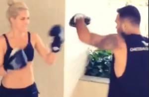 Giovanna Ewbank e Fernanda Paes Leme mostram treino pesado em dia de malhação