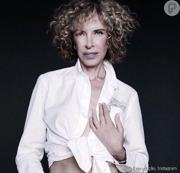 Marília Gabriela posa com barriga de fora aos 67 anos: 'Novinhas no chinelo'