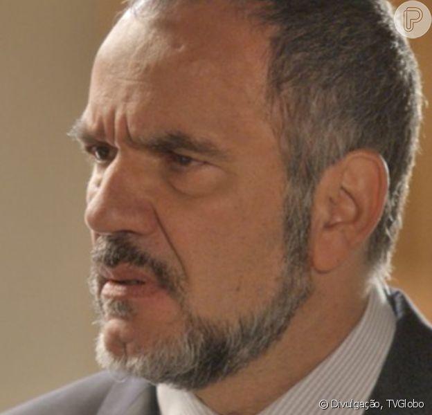 Novela 'Totalmente Demais': Germano (Humberto Martins) agride Rafael (Daniel Rocha) para defender a filha, Eliza (Marina Ruy Barbosa)