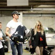 Fergie aparece em público com o filho, Axl Jack Duhamel, pela 1ª vez