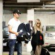 Fergie e Josh Duhamel aparecem com o filho, Axl Jack Duhamel, pela primeira vez